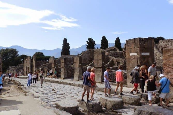 Pompeii Walking Tour - Shared Daily Tour