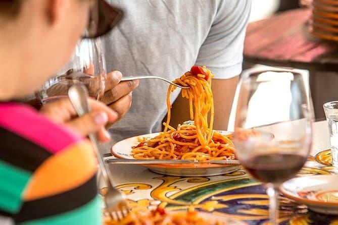 Pompeii Tour with Spaghetti & Wine and transfer