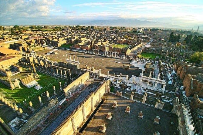 Pompeii and Positano: full-day tour from Rome