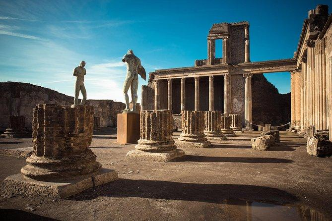 POMPEII & SORRENTO: Private Day Tour from Rome