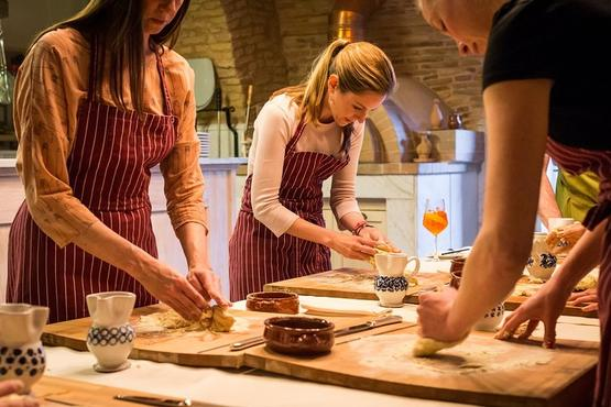 Pasta Cooking Class in San Gimignano Winery of Tuscany