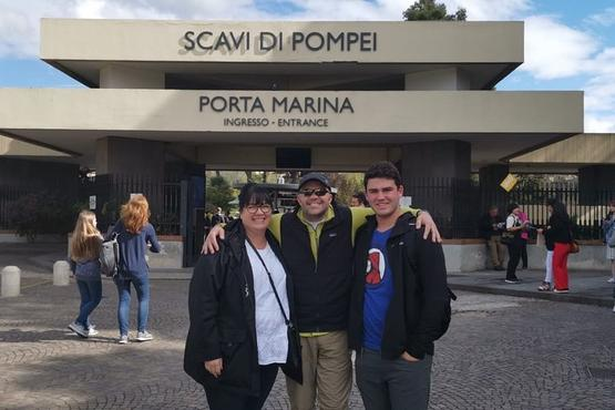 Pompeii and Herculaneum SkipTheLine with Lunch&WineTasting from Rome