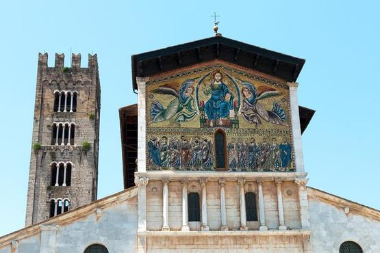 Private Art and Scent of the Sea: Lucca, Forte dei Marmi, Pisa