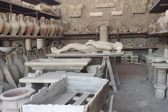 Pompeii and Sorrento Private Day Tour from Rome