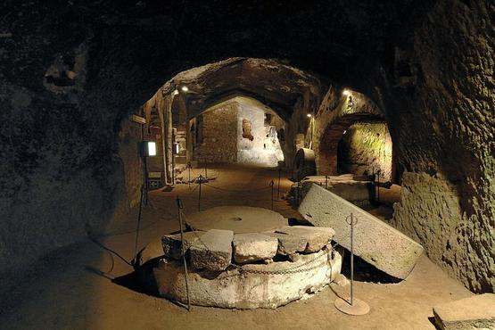 """Orvieto: Journey in the """"City Underground"""" Private Tour from Rome"""