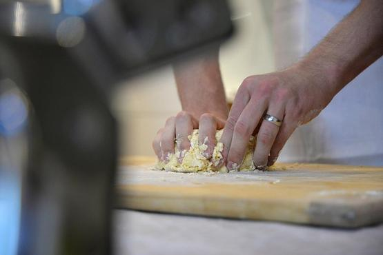 Ostuni: traditional cooking class with local chef