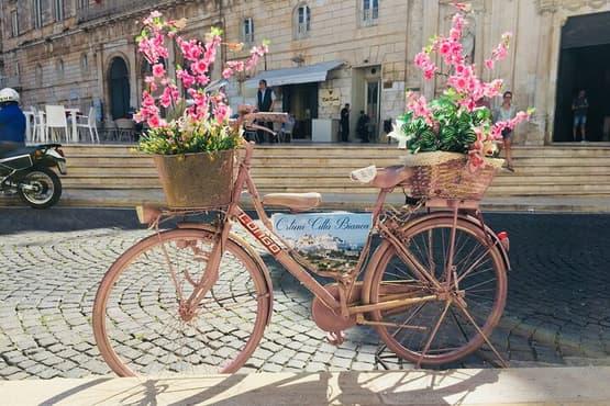 Ostuni, Alberobello and Polignano a Mare Independent Tour. Departing from Lecce